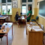 Uczniowie podczas egzaminu ósmoklasisty